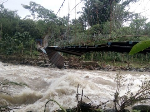 Banjir Bandang di Empat Lawang Putuskan Dua Jembatan