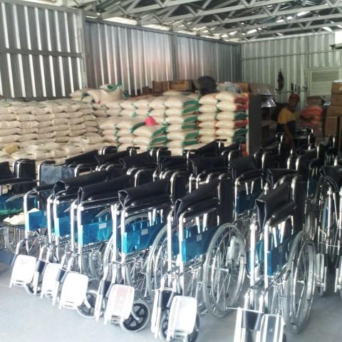 Berbagi 4,44 Ton Beras untuk Warga Miskin