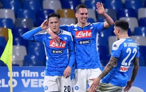Napoli Buat Juventus Bertekuk Lutut di San Paolo