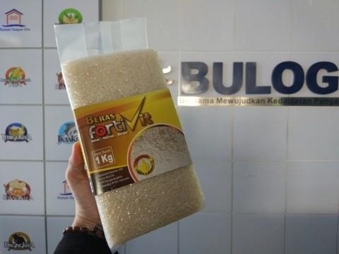 Bulog Jual 250 Ton Beras Premium via E-Commerce