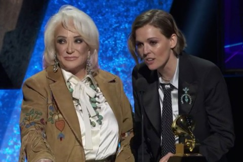 Musisi Country Legendaris Tanya Tucker Raih Grammy Pertama