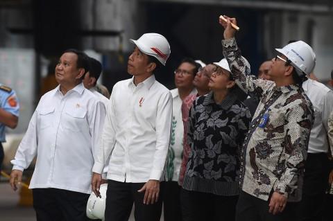 Jokowi Tinjau Kapal Selam Alugoro-405 di PT PAL