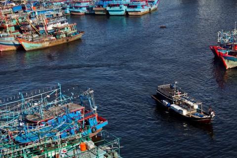 Sri Mulyani Laporkan Kapal Milik Pelindo I <i>Ngoplos</i> BBM