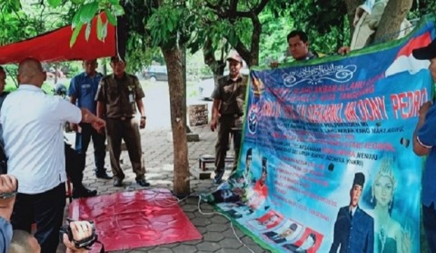 Spanduk Kerajaan Muncul di Kota Tangerang