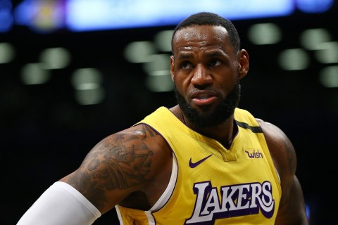 LeBron James Janji Teruskan Peninggalan Kobe Bryant