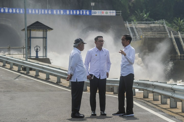 Jokowi Resmikan Terowongan Air Nanjung