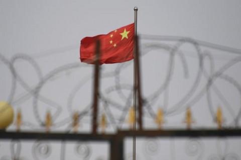 Tiongkok Kesal Ilustrasi Bendera Diganti Partikel Virus