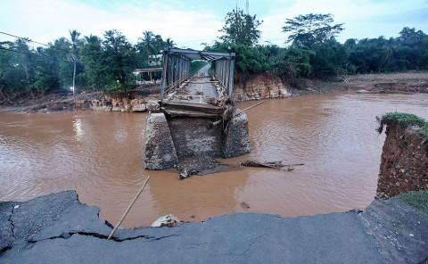 Wapres Tinjau Korban Banjir Bandang di Lebak