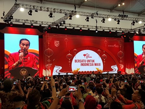 Jokowi Hadiri Perayaan Imlek Mengenakan Congsam