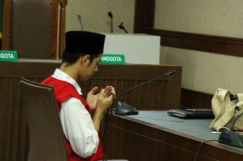 Lutfi Alfiandi Pembawa Bendera Divonis 4 Bulan Penjara