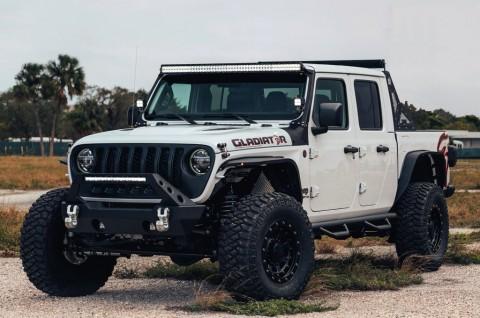 Modifikasi Jeep Gladiator Hellcat dengan Performa Off Road