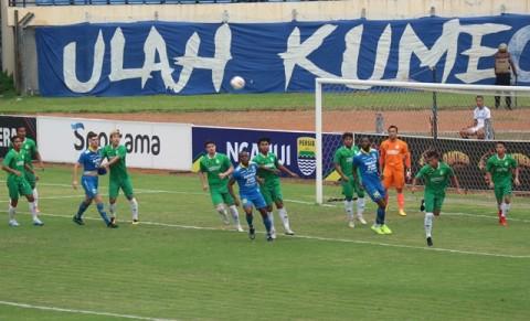 Persib Bungkam Melaka United di Bandung