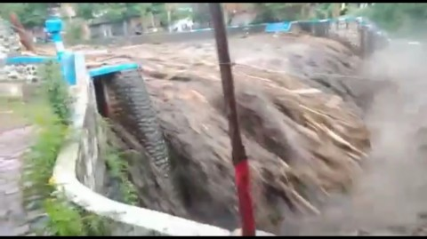 Dua Kecamatan di Jember Diterjang Banjir Bandang