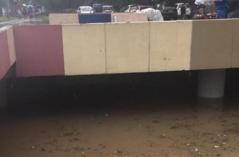 <i>Underpass</i> Kemayoran Banjir Lagi