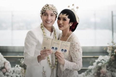 Alasan Isyana Menikah di Bandung