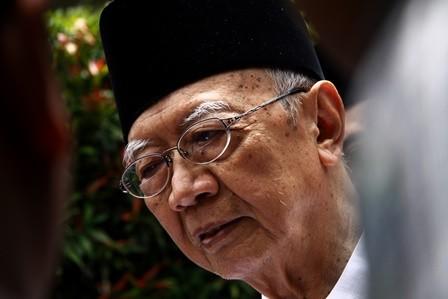 Sikap Menghargai Perbedaan Gus Sholah Patut Diteladani