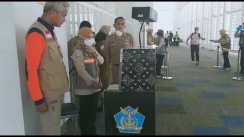 Ganjar Pastikan Bandara Ahmad Yani Bebas dari Korona