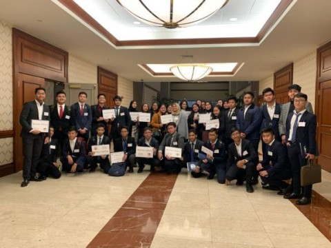 Siswa SMA Labschool Jakarta Ikut Simulasi Sidang PBB