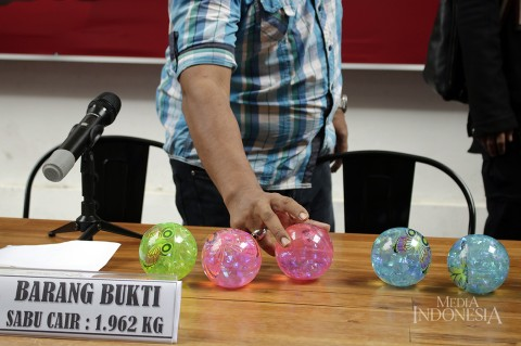Polisi Bongkar Penyelundupan Sabu Cair dalam Bola Mainan