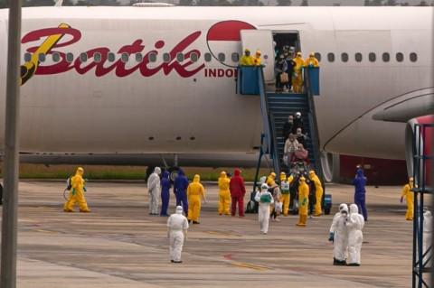 Pesawat Angkut WNI dari Tiongkok Dikarantina 14 Hari