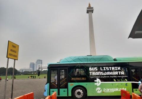 Seluruh Bus TransJakarta Bermesin Listrik di 2029