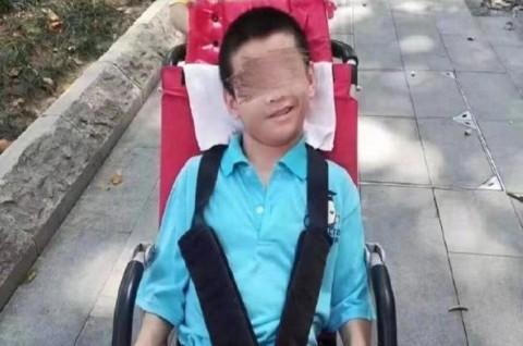 Virus Korona: Ayahnya Dikarantina, Remaja Disabilitas Meninggal
