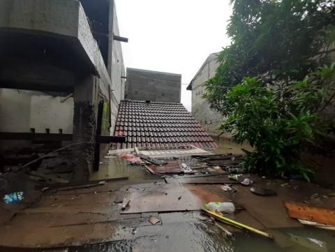 Banjir 3,5 Meter Rendam Perumahan Total Persada Tangerang