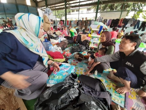 Pengungsi Banjir Total Persada Mulai Diserang Penyakit