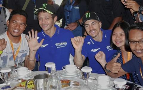 Rossi dan Vinales Ikutan Demam TikTok
