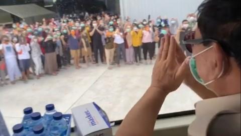 Defense Minister Visits Quarantine Site in Natuna