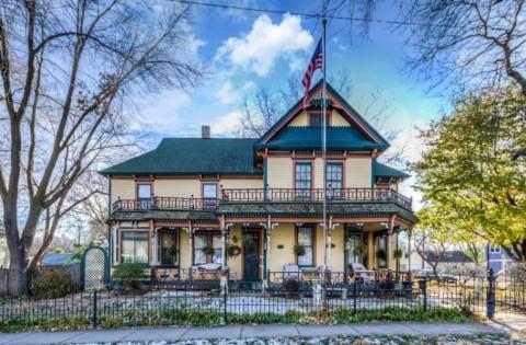 Rumah Ratusan Tahun Dijual Rp5,8 Miliar