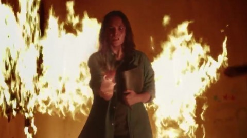 Chelsea Islan Bermain Api Tanpa CGI di Sebelum Iblis Menjemput Ayat 2