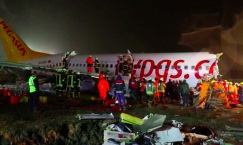 Pesawat Tergelincir di Turki, Tiga Orang Tewas