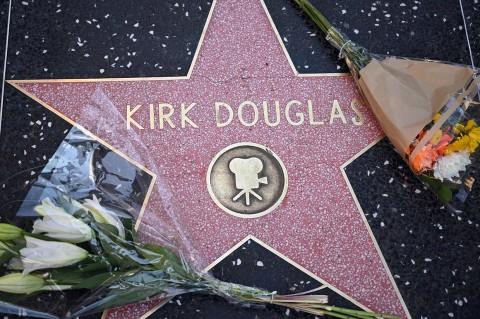 Legenda Hollywood Kirk Douglas Meninggal Dunia