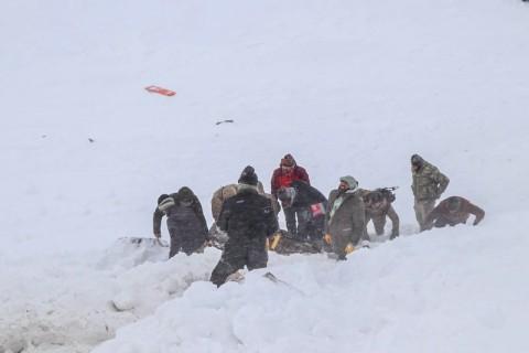 Terkubur Salju, 33 Regu Penyelamat Turki Dilaporkan Tewas