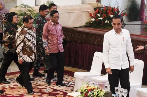 Jokowi Ancam Copot Jabatan TNI/Polri Jika Gagal Atasi Karhutla