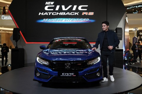 Penyegaran, Honda Hadirkan Varian RS untuk Civic Hatchback
