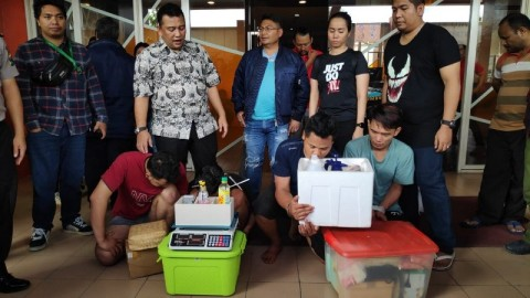 Pemasok Tembakau Sintetis di Surabaya Digerebek