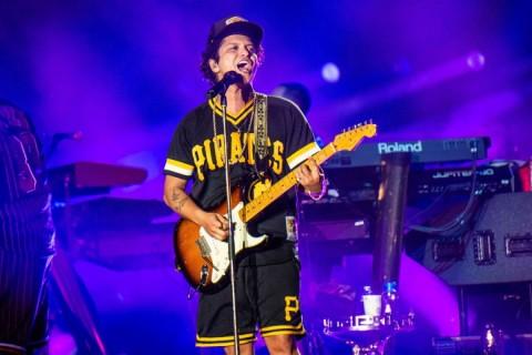 Bruno Mars dan Disney Garap Film Musikal