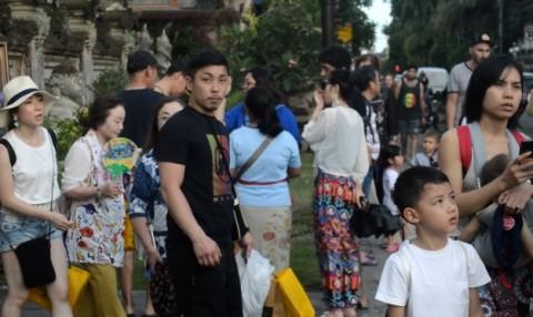 Tiongkok Jemput Ribuan Warganya di Bali