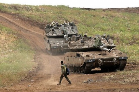 Tank Israel Serang Dua Situs Militer Hamas