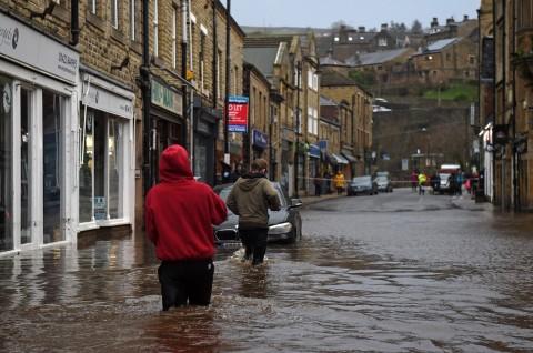 Badai Ciara Landa Inggris, Ratusan Penerbangan Dibatalkan