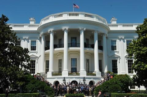 Ancam Bunuh Trump, Pria Ditangkap di Luar Gedung Putih