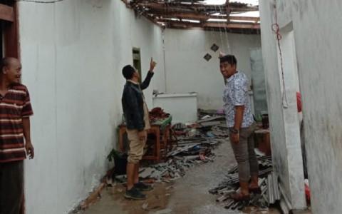 Langkisau Rusak 24 Rumah di Talang Sumenep