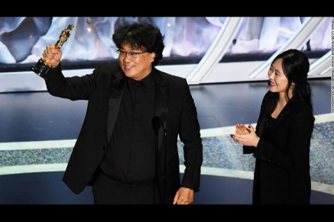 Penerjemah Sutradara Parasite di Oscar 2020 Curi Perhatian
