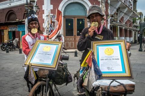 Pesepeda Tuna Daksa dan Tuna Rungu Peroleh Penghargaan Leprid