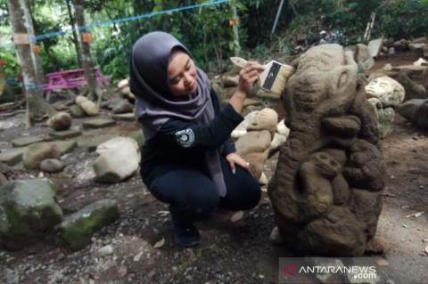 Puluhan Batu Mirip Arca Ditemukan di Tasikmalaya
