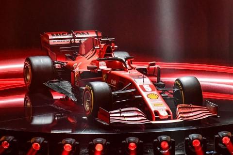 Ferrari Perkenalkan Mobil Anyar