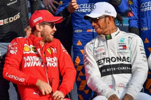 Ferrari Memilih Vettel Ketimbang Hamilton untuk F1 2021