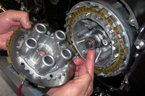Tenaga Mesin Motor Loyo? Cek Komponen Ini